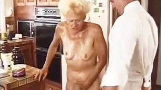 Inzest Porno – Mutter und Sohn ficken miteinander