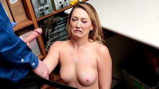 Mit Brille Pornovideos 2 Frauen